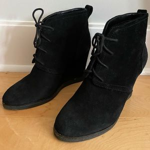 Vince Camuto black suede lace up wedge booties